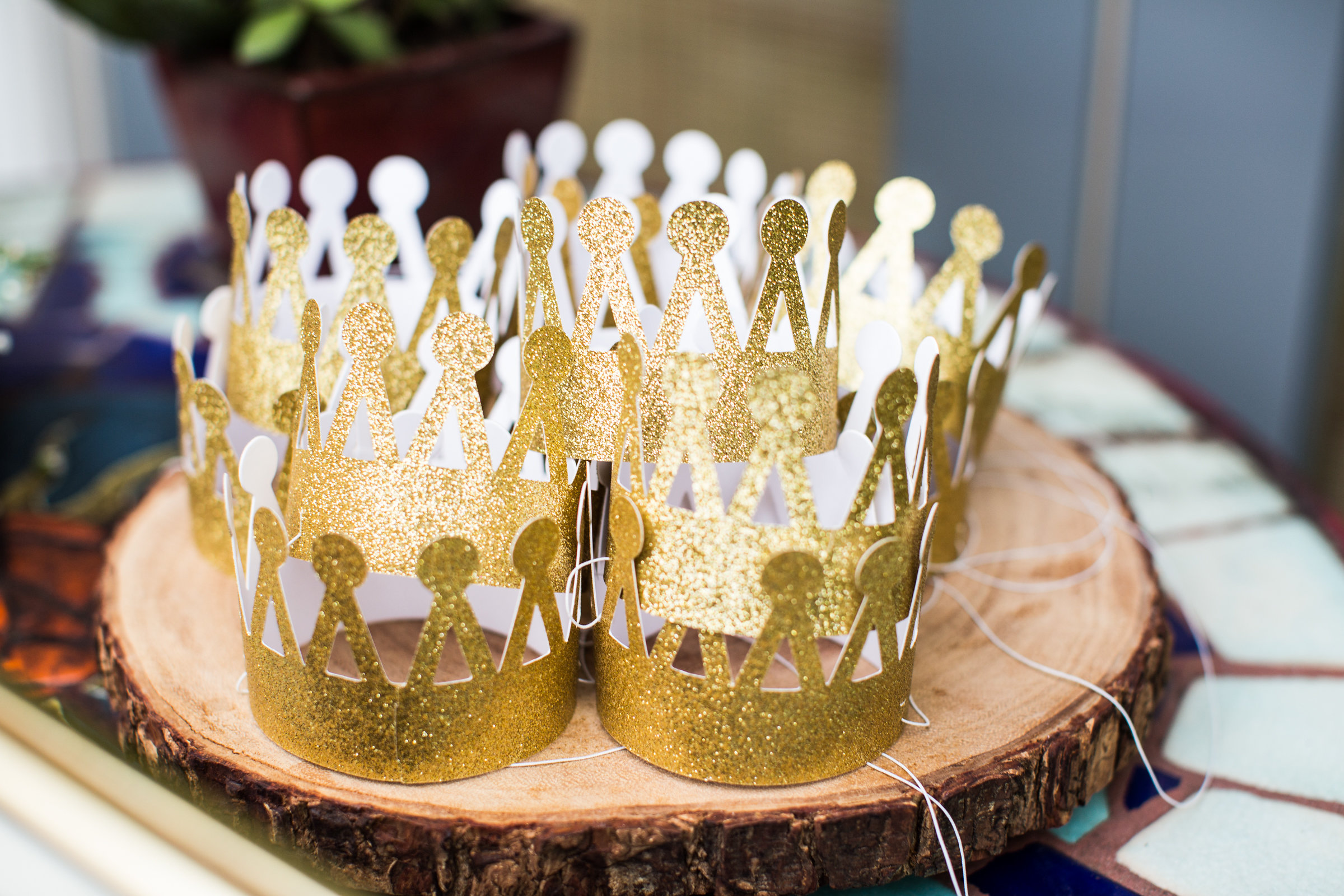 butterfly house table decor catering crowns